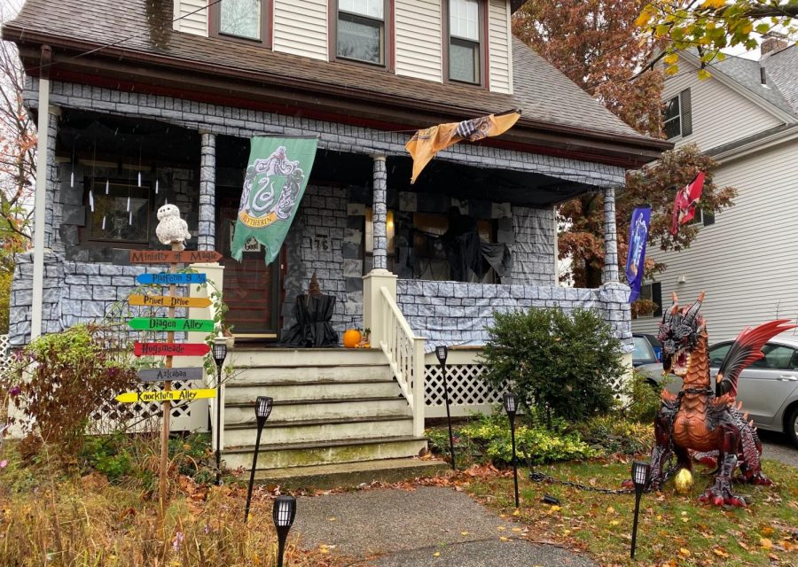 A+home+in+Watertown+is+decorated+for+Halloween+2020.
